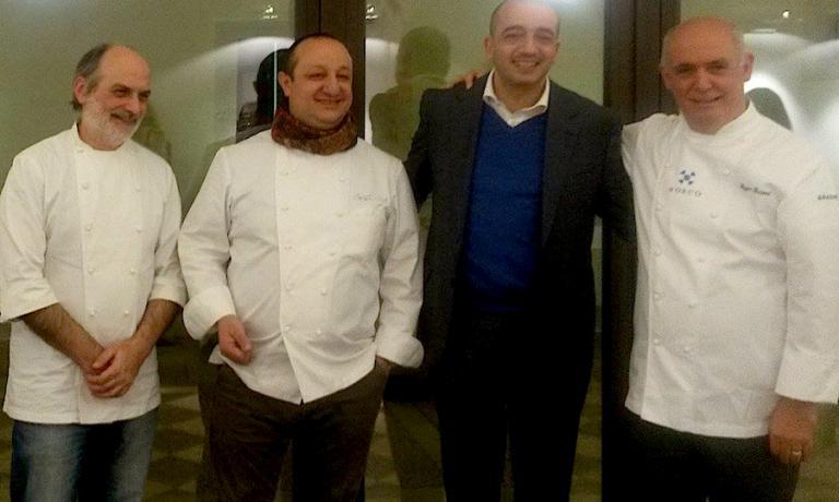I 4 chef che hanno reso grande la presehtazione di XXL domencia 21 dicembre a Ragusa Ibla. Da sinistra verso destra: Corrado Assenza, Ciccio Sultano, Pino Cuttaia e Peppe Barone