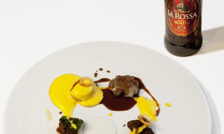 In abbinamento lo chef ha scelto la Birra Moretti La Rossa