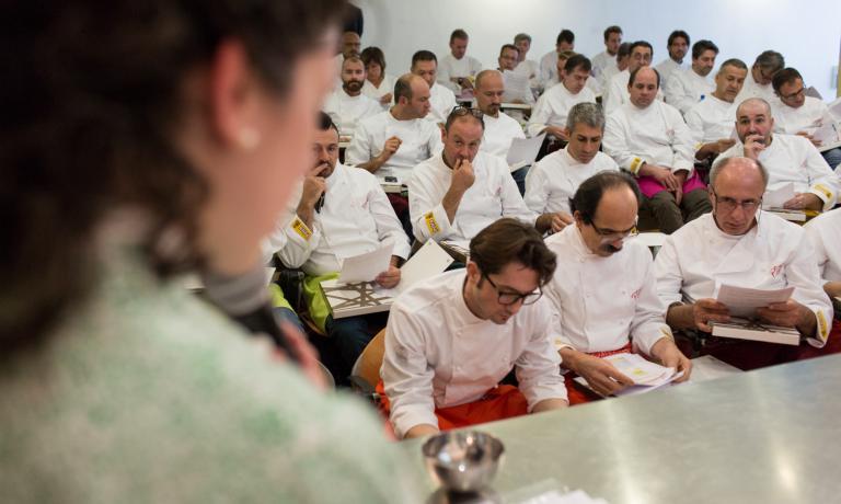 Pizzaioli alle lezioni come se fossero all'università (foto Thorsten Stobbe).