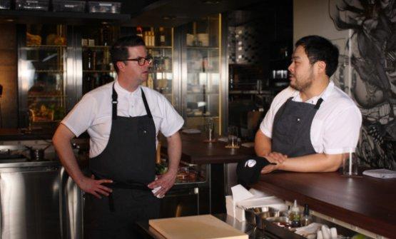 Sean Grey e David Chang, chef e patron di Momofuku Ko (foto Melissa Hom/Grub Street)