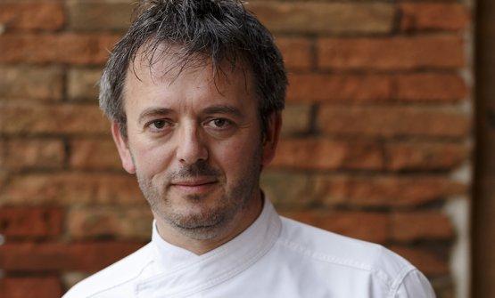 Lo chef Riccardo Agostini del ristorante Il Piastrino di Pennabilli (1 Stella Michelin) delizierà gli ospiti il giorno 13 Luglio