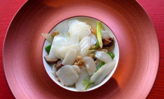 Gnocchi di riso e funghi shiitake, uno dei piatti proposti dal Bon Wei di Milano per il Capodanno cinese. Sarà posibile gustarlo fino al 17 febbraio