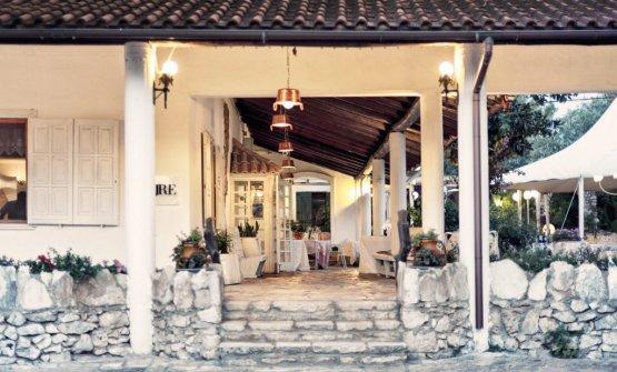 L'elegante e accogliente ingresso del ristorante Fornello da Ricci, a Ceglie Messapica (Brindisi)