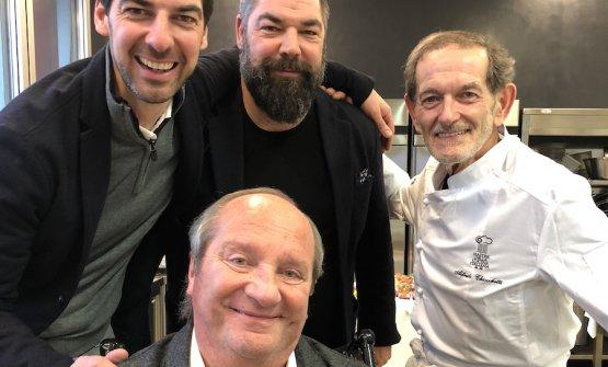 Foto ricordo per Massimiliano e Raffaele Alajmo assieme con lo chef Alfredo Chiocchetti, mentore oltre vent'anni fa dello stesso Massimiliano, nonché Mauro Defendente Febbrari