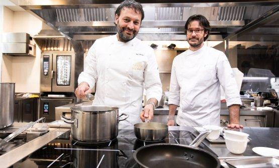 Alciati con lo chef Paolo Decio, suo stretto collaboratore