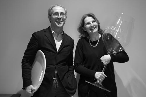 Cristina Franceschetti e Alessandro Guidi hanno fondato la Caraiba nel 1993. Decisi a cambiare vita e determinati nel creare un progetto che li rappresentasse a pieno, hanno lasciato le loro attivit� professionali nel settore dell'agroalimentare e hanno iniziato a selezionare i migliori bicchieri e a distribuirli al top della ristorazione italiana