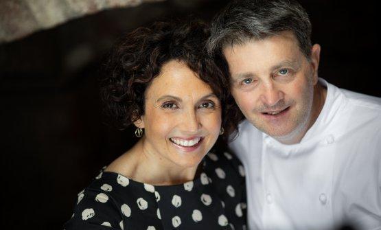 Lanteri con la compagna, nel lavoro e nella vita, Amy Bellotti, con cui guida il ristorante ospitato nello splendido Castello di Grinzane Cavour