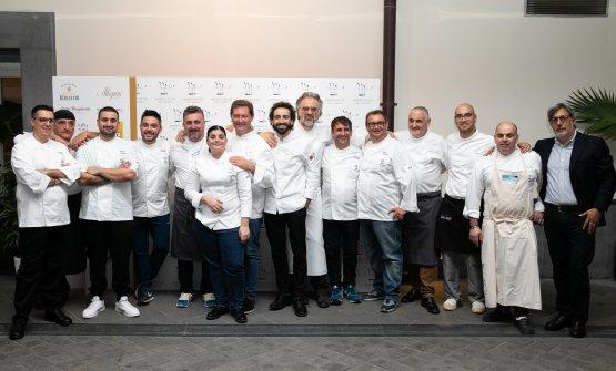 Foto di gruppo di alcuni membri degli Ambasciatori del Gusto