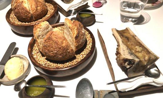 Il pane da Amelia chiama burro delle Asturie, olio toscano in forma cremosa per un goccio di glicerina e midollo