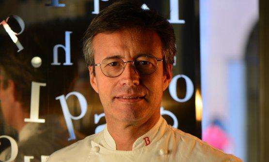 Andrea Besuschio, titolare della pasticceria di famiglia, ad Abbiategrasso (Milano)