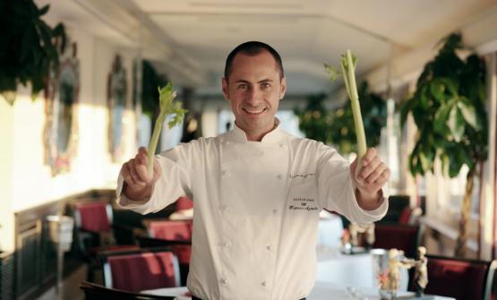 Seconda parte dell'articolo sulla sua Roma del cuore scritto dallo chef napoletano Francesco Apreda, che questa volta si concentra sugli indirizzi pi� tradizionali, come le trattorie e le osterie. Ma ci parla anche di gelato e cucina internazionale