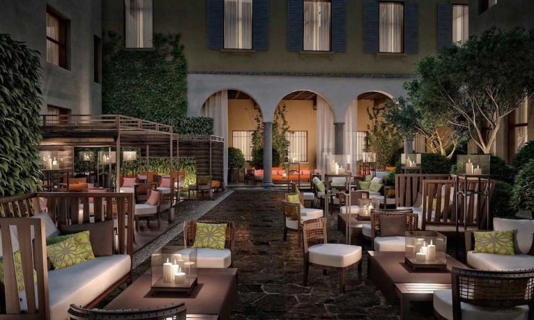 The rendering of the courtyard of the bar-bistro