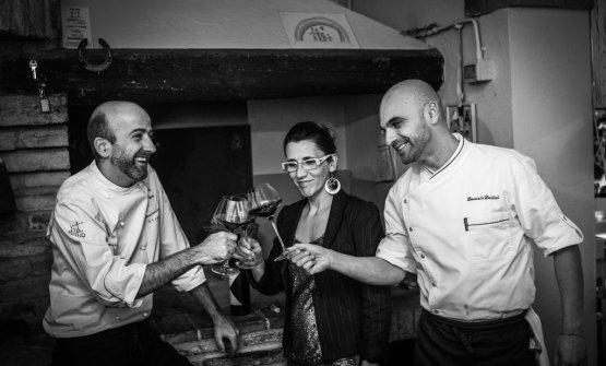Lo staff del ristorante: lo chef Senio Venturi, la moglie Elisa Bianchini che si occupa della sala e il sous chef Daniele Dattoli