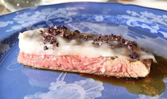 Bavette di manzo grigliate, lardo, grasso d'anatra, bucce di Nebbiolo fermentate nel Testun