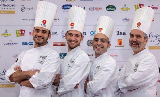 I tre concorrenti italiani con il loro allenatore