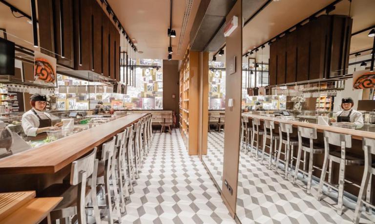 """Il bistrot all'interno delFiorfood Coop di Torino, """"cucina stellata alla portata di tutti"""""""