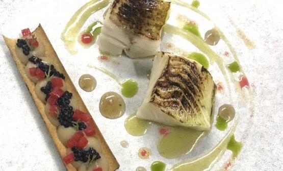 Black cod, melanzane alla brace e prugne fermentate