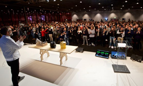 Massimo Bottura on the stage of the Auditorium at
