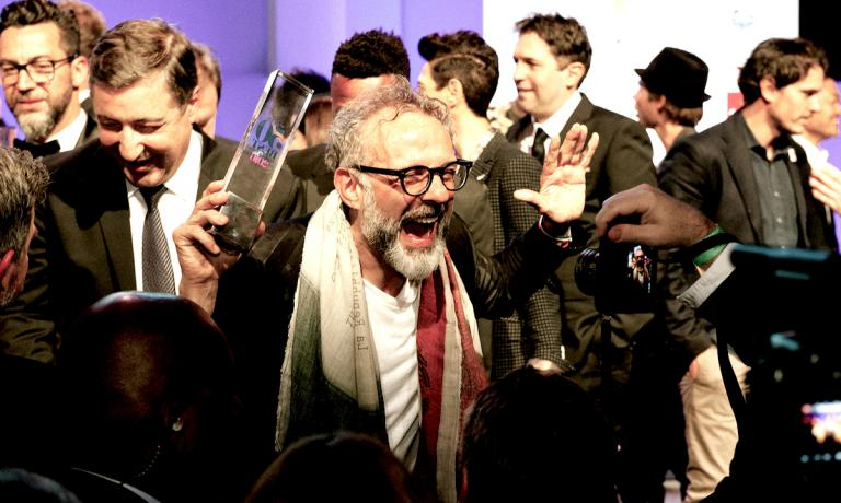 L'urlo liberatorio a New York di Massimo Bottura lunedì 13 giugno 2016 dopo aver vinto per la prima volta la classifica dei World's 50 Best Restaurants. Foto copyright The World's 50 Best Restaurants