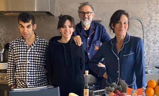 Bottura con la sua famiglia nei giorni di Kitchen Quarantine