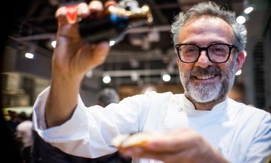 Il sommo chef italiano, Massimo Bottura, è autore
