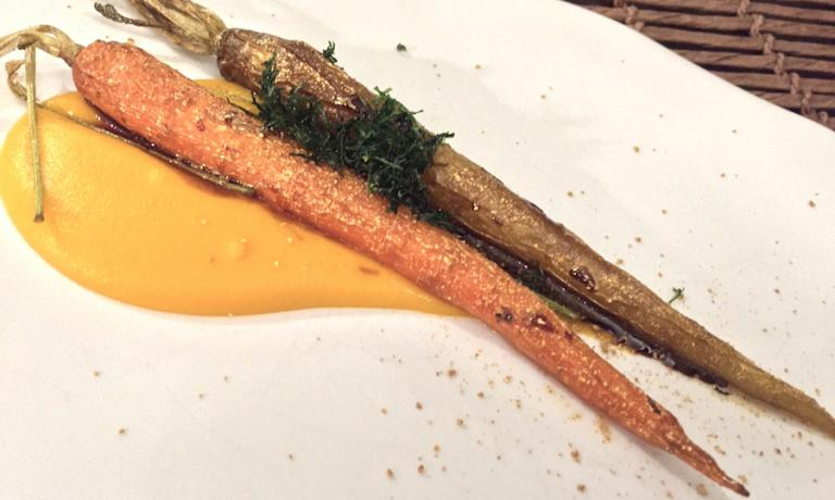 Carota e carota, piatto straordinario firmato da Cristina Bowerman