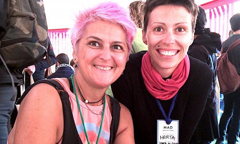 Cristina Bowerman, di Glass Hostaria a Roma, e Marta Scalabrini, chef e titolare a Reggio Emilia di Marta in cucina, durante una pausa pranzo a MAD5 a Copenhagen