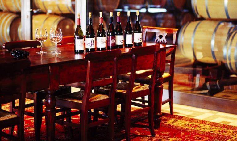 Perfettamente schierati, i vini Braida pronti per una degustazione