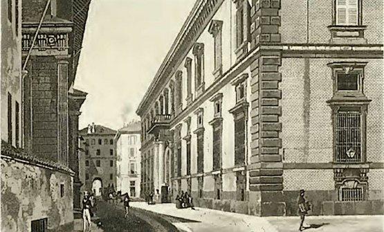 Il palazzo che ospita l'Accademia di Brera in una stampa antica. Sullo sfondo si distingue la Pusterla Beatrice, una delle porte minori di accesso alla città di Milano. Oggi il tratto finale di via Brera è caratterizzato da un'accozzaglia di bar facilmente dimenticabili