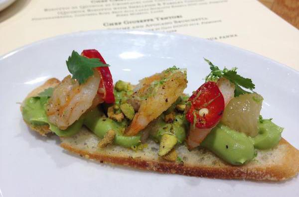 La Bruschetta di avocado e gamberetti grigliati di Giuseppe Tentori