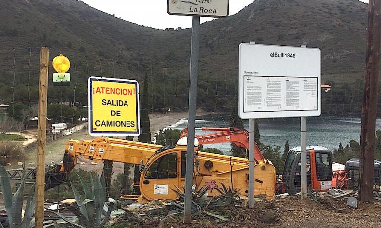 Il cantiere del Bulli a Cala Montjoi il marzo scorso. Lavori ancora in corso.
