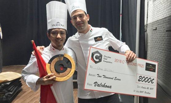 Yusuke Aoki e Ettore Beligni, rispettivamente primo e secondo all'edizione 2018 a New York del C3 Valrhona, concorso a tutto cioccolato nella pasticceria per la ristorazione. Foto di Paolo Marchi