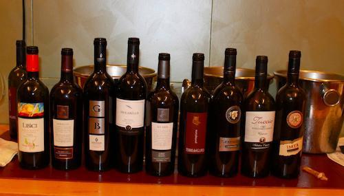 I nove vini degustati in occasione della�Giornata mondiale delle cucine regionali italiane nel Segno dell'Expo.�La viticoltura italiana part� proprio dalla Calabria, anche se ora ammonta all'1 della produzione nazionale il totale di vini calabresi siglati dalle denominazioni d'origine