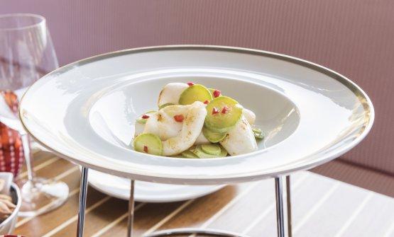 Calamari scottati con zucchine trombetta marinate