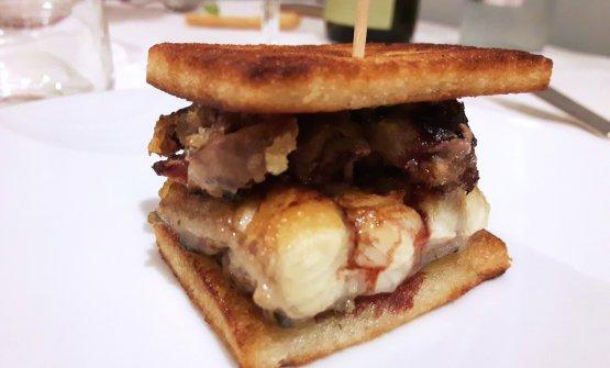 Sandwich di anguilla, il suo fegato, menta e aceto(La Capannina sul Mare, Casalborsetti, Ravenna, chefIrvin Zannoni)