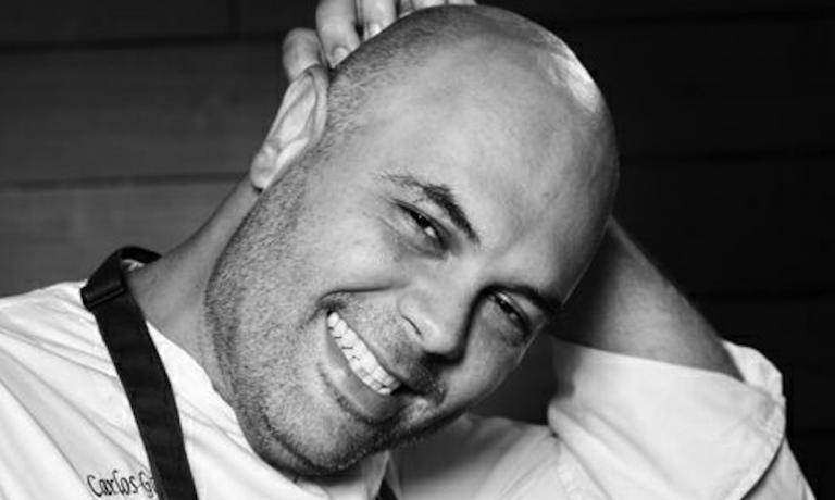 Un ritratto del venezuelano Carlos García, astro nascente dell'alta cucina sud-americana, al 28° posto con il suo locale di Caracas, battezzato Alto, nella graduatoria 2015 dei 50 Best del Sud America