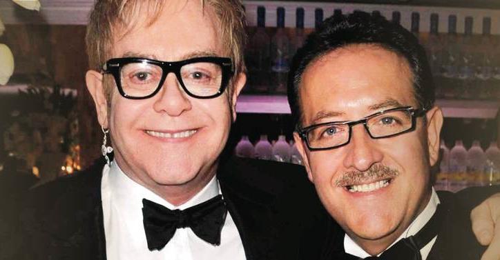 Con Elton John, una delle tante celebrity che amano i cocktail di Salvatore Calabrese