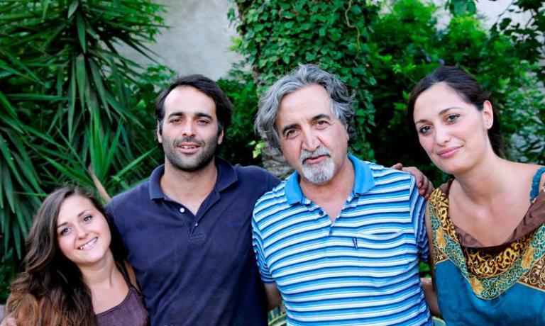 Roberto Ceraudo con i figli: da sinistra, Caterina, Giuseppe e Susy