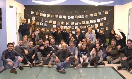 Il team diCBA Italia, agenzia di brand design. Spiega l'ad Siano: «Affianchiamo i nostri clienti nei progetti di corporate identity, brand identity, packaging design, retail e brand experience. Ogni progetto è la sintesi di un approccio strategico mirato ad accrescere il valore del Brand e stimolare l'innovazione». Fondata nel 1982 a Parigi, fa oggi parte del gruppo WPP, leader mondiale della comunicazione. Con 11 sedi nel mondo, in cui impiega circa 300 professionisti, CBA mette a disposizione dei clienti un network multiculturale capace di offrire una prospettiva globale. «Mettiamo passione in ogni progetto, perché questo è il nostro modo di concepire il design»