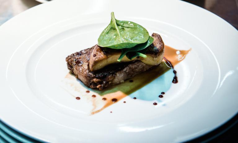 Podolica, foie gras e nocciola, piatto concepito d