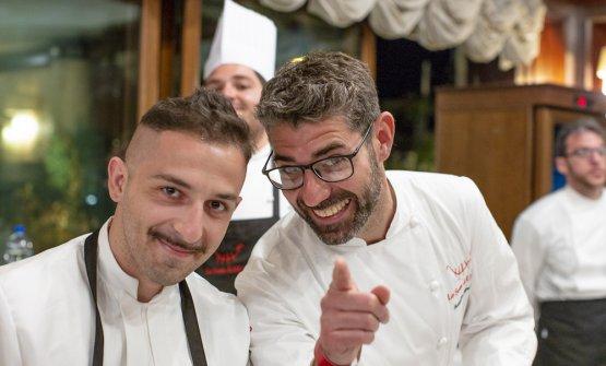 Accursio Craparo, a destra, conStefano Scarso, chef della nuova trattoria di Accursioa Modica