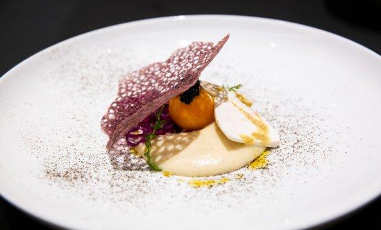 Pancotto all'acqua di funghi porcini, tuorlo d'uovo cotto nel ghiaccio al profumo di tartufo, croccante di verza cappuccio, di Claudio Sadler