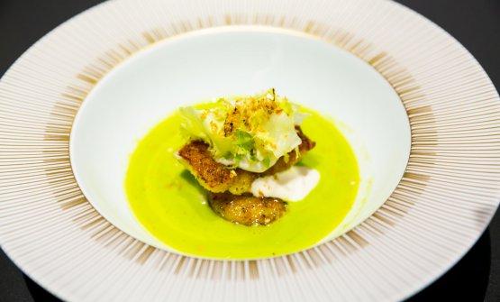 Zuppa di olive Nocellara e mandorle, purea di finocchi e pesce bandiera anni '80