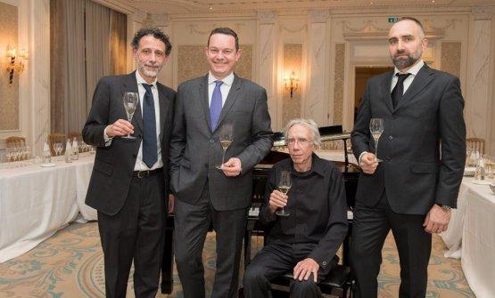 Il direttore del Bureau du Champagne Domenico Avolio, il direttore della comunicazione del Comitè Champagne Thibaut Le Mailloux, Fabio Soragna e Marco Anichini