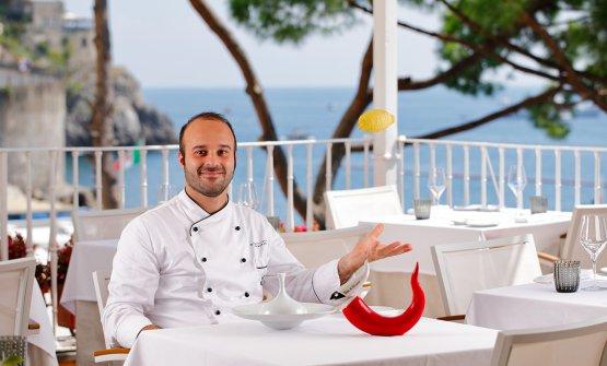 Lo chef sulla terrazza del ristorante Sensi