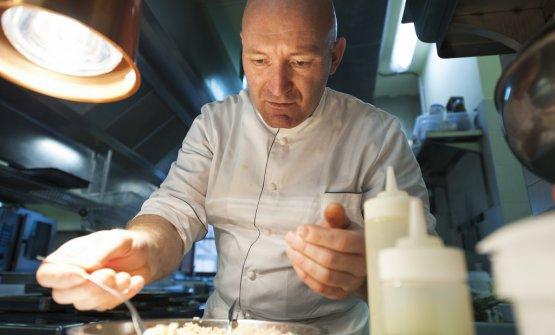 Alfio Ghezzi, chef della Locanda Margon diCantine FerrariaTrento.Da giovedì 18a sabato 20ottobre,sarà protagonista aIdentità Golose Milano: con un menu da4portate e 4calici in abbinamento. (75 euroa persona, prenotazioni online)