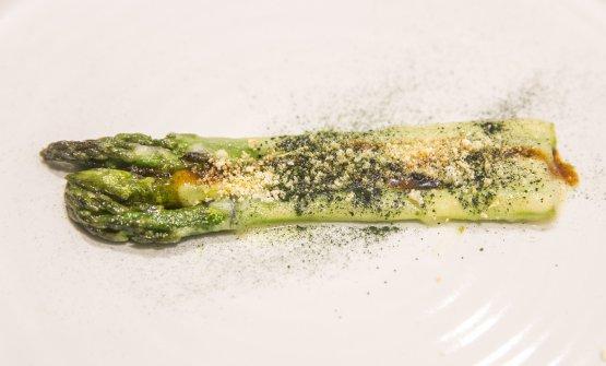 Asparagi, masato e tartufo di mare (foto di Devid Rotasperti)