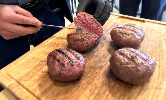 Chiancamburger pronti per essere serviti