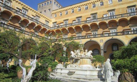 Il chiostro del convento di San Gregorio Armeno