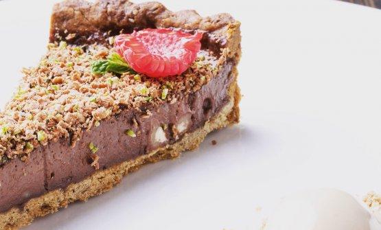 Cioccolato, amaretti e nocciole: il dolce presentato all'esame di ALMA